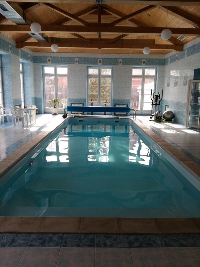 композитный бассейн в частном доме