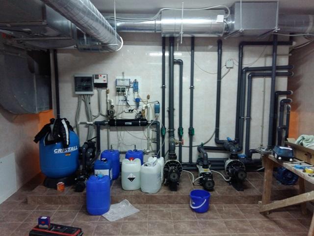 обслуживание оборудования для бассейна
