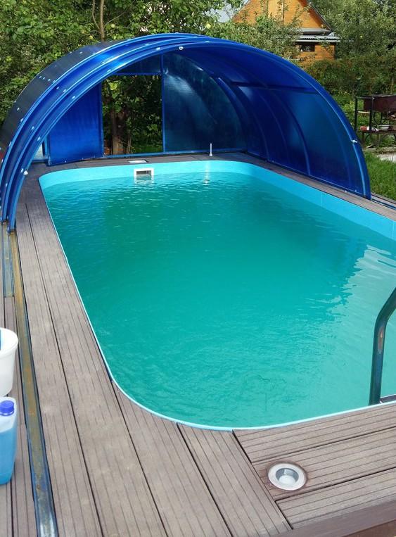 полипропиленовый бассейн в коттедже